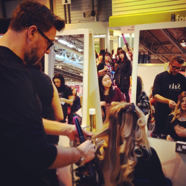 Saksessories Pro Curl demonstration at Clothes Show Live