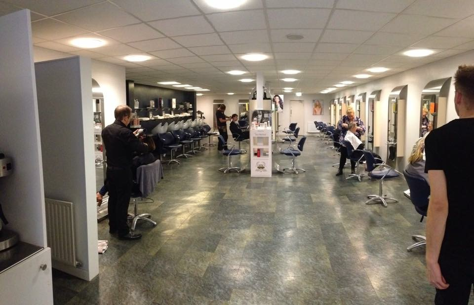 Saks-Middlesbrough-salon