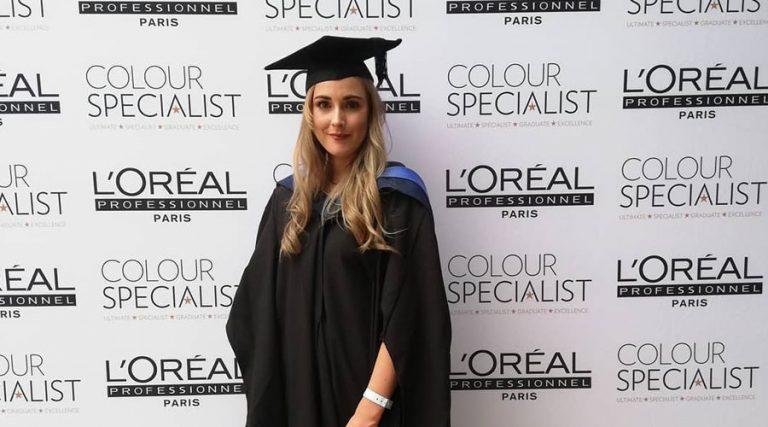 Laura - L'Oreal Colour Specialist 900 x 500